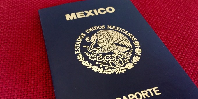 Mexican-Passport-cong-tac
