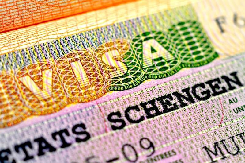 ben-trong-visa-phap