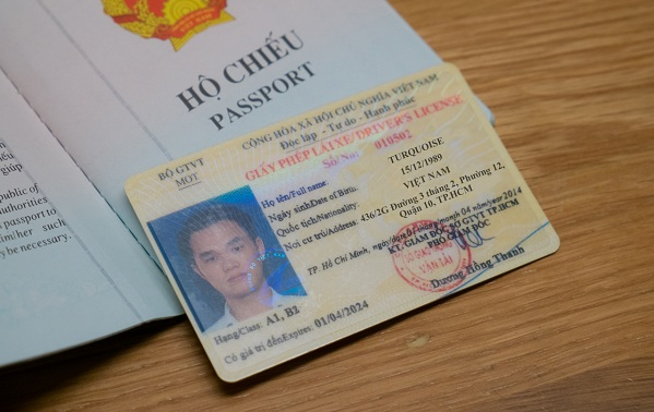 chuyen-doi-bang-lai-xe-cho-nguoi-nuoc-ngoai-tai-viet-nam