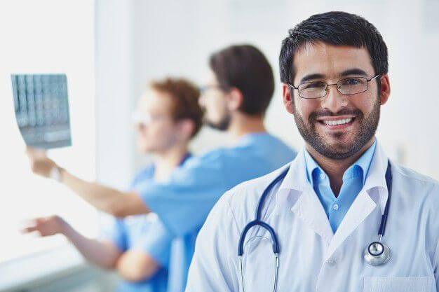 Làm giấy khám sức khỏe cho người nước ngoài để làm giấy phép lao động